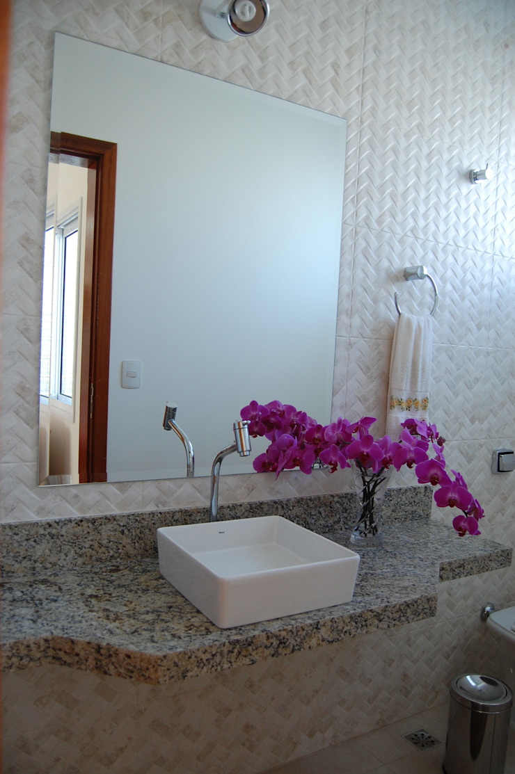 casa Irani Banheiros modernos por MARIA IGNEZ DELUNO arquitetura Moderno