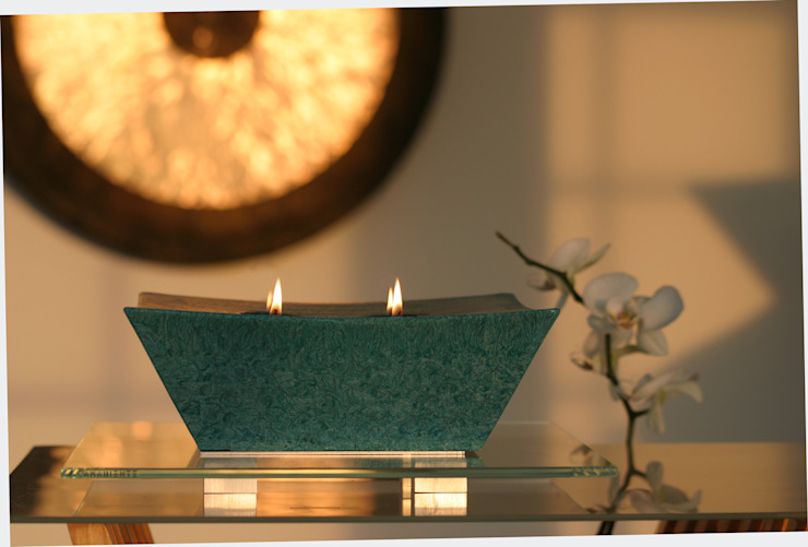 Atrum kaars en houder: modern  door Glaswinkeltje/ DesignGlasOnline, Modern