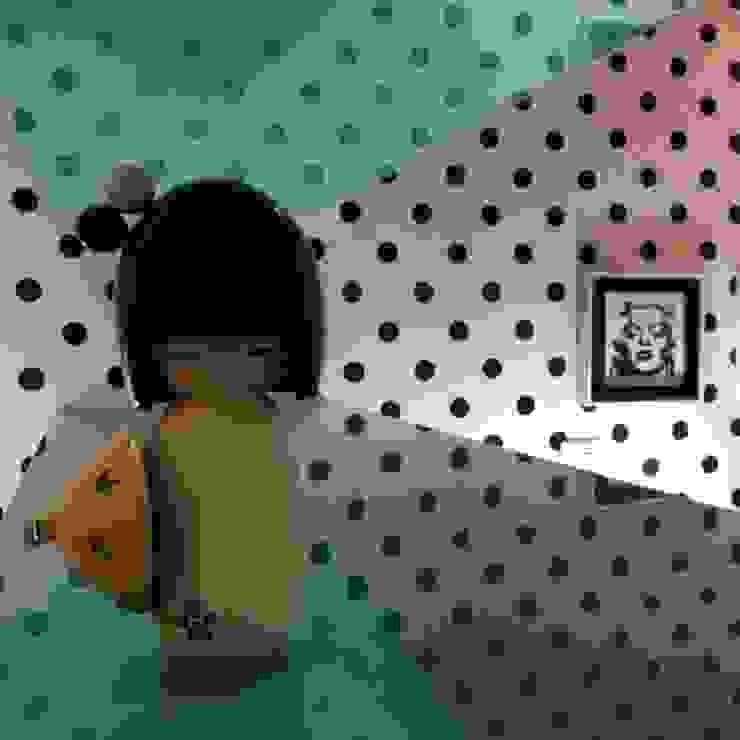 Kokeshi Doll Quartos modernos por Studio Fabrício Roncca Moderno