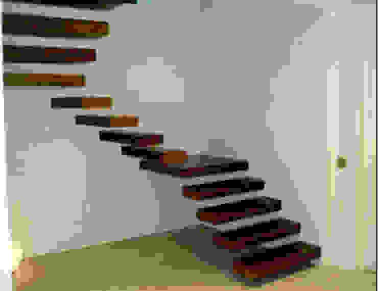 BEYSUKENT levent tekin iç mimarlık Koridor, Hol & MerdivenlerMerdivenler
