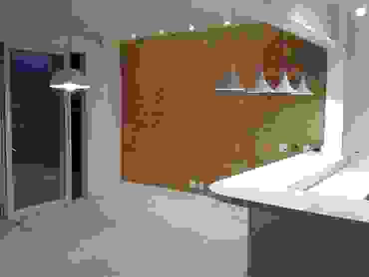 Residência Marituba Salas de jantar clássicas por Rachel Nakata Arquitetura Clássico