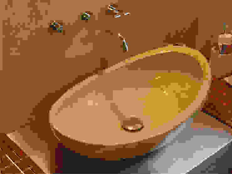 bagno padronale Bagno in stile mediterraneo di Stefano Chiocchini architetto & designer Mediterraneo