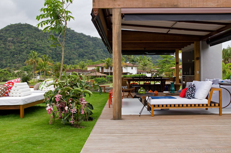 Tropical style balcony, veranda & terrace by Marilia Veiga Interiores Tropical