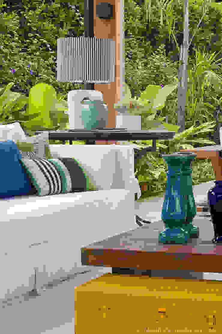 Detalhes Varandas, alpendres e terraços tropicais por Marilia Veiga Interiores Tropical