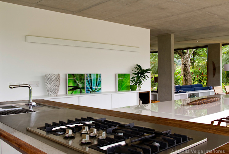 Jantar Varandas, alpendres e terraços tropicais por Marilia Veiga Interiores Tropical
