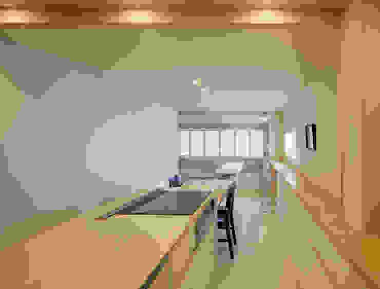 3階住居/ダイニングキッチン 北欧デザインの キッチン の UZU 北欧