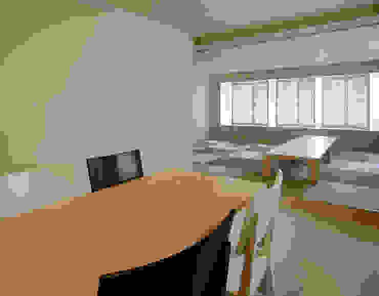 3階住居/パブリックリビング 北欧デザインの リビング の UZU 北欧