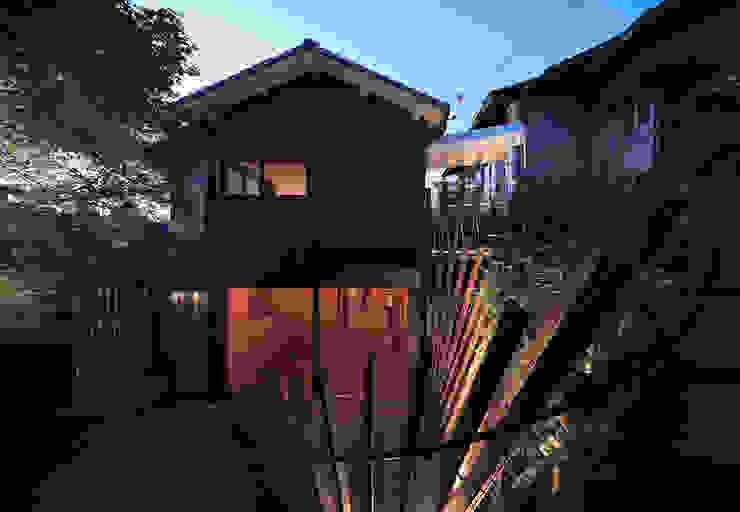 夕景 日本家屋・アジアの家 の UZU 和風