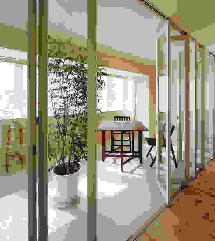 4階住居/プライベートリビング インナーテラス 北欧スタイルの 温室 の UZU 北欧