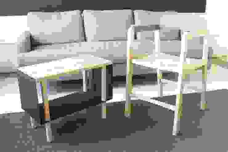 Furniture line de Robledo & Ojeda Studio Moderno