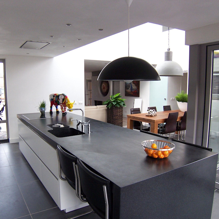 Modern kitchen by EIKplan architecten BNA Modern