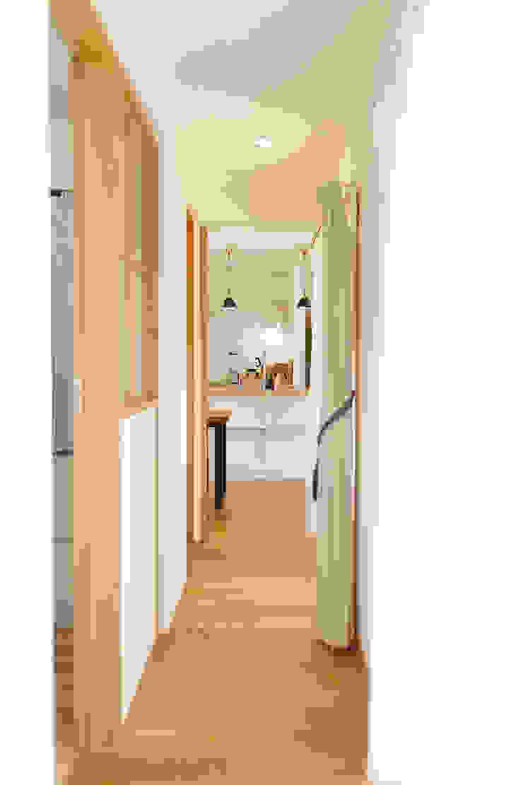 内と外をつなぐ平屋の家 カントリースタイルの 玄関&廊下&階段 の ELD INTERIOR PRODUCTS カントリー