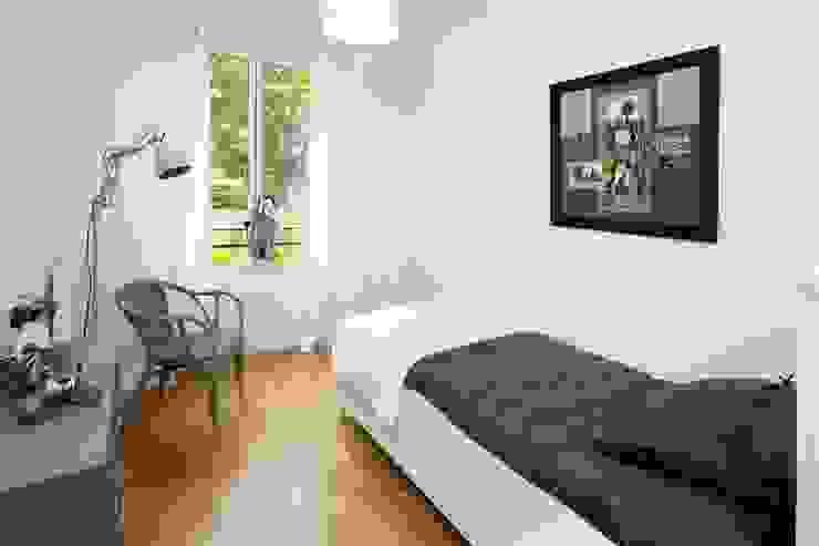 Chambre d'adolescent Chambre moderne par Anne Gindre Décoratrice d'Intérieur Moderne
