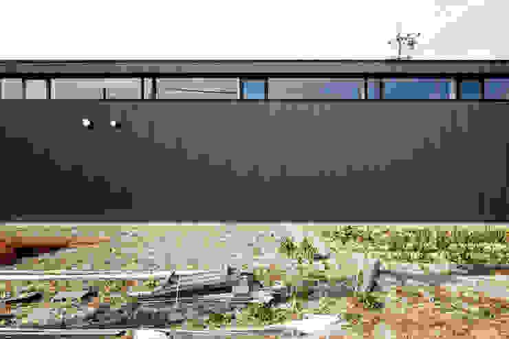 南側ファサード ラスティックな 家 の 道家洋建築設計事務所 ラスティック