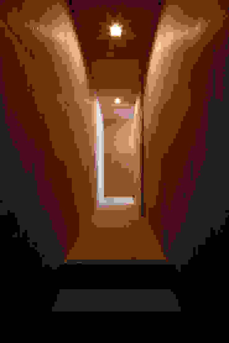 廊下 ラスティックスタイルの 玄関&廊下&階段 の 道家洋建築設計事務所 ラスティック