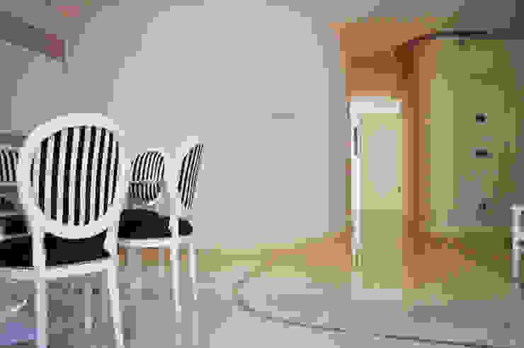 CurviLINE Soggiorno minimalista di Marco Stigliano Architetto Minimalista