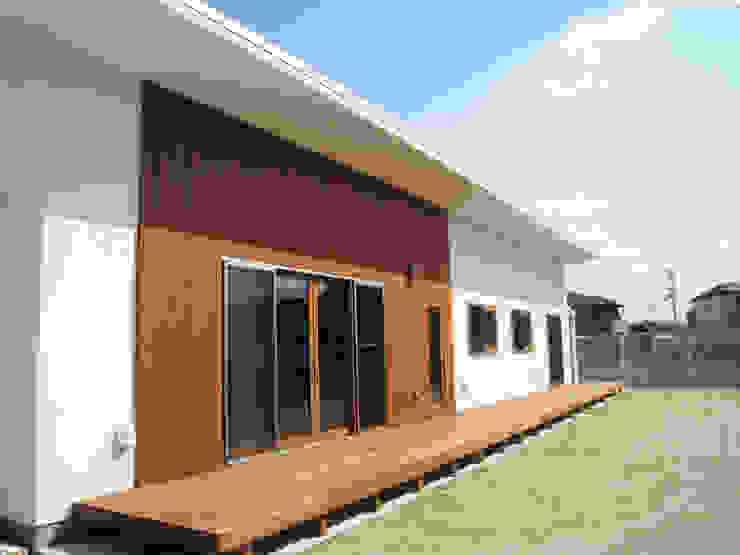 Casas estilo moderno: ideas, arquitectura e imágenes de あお建築設計 Moderno