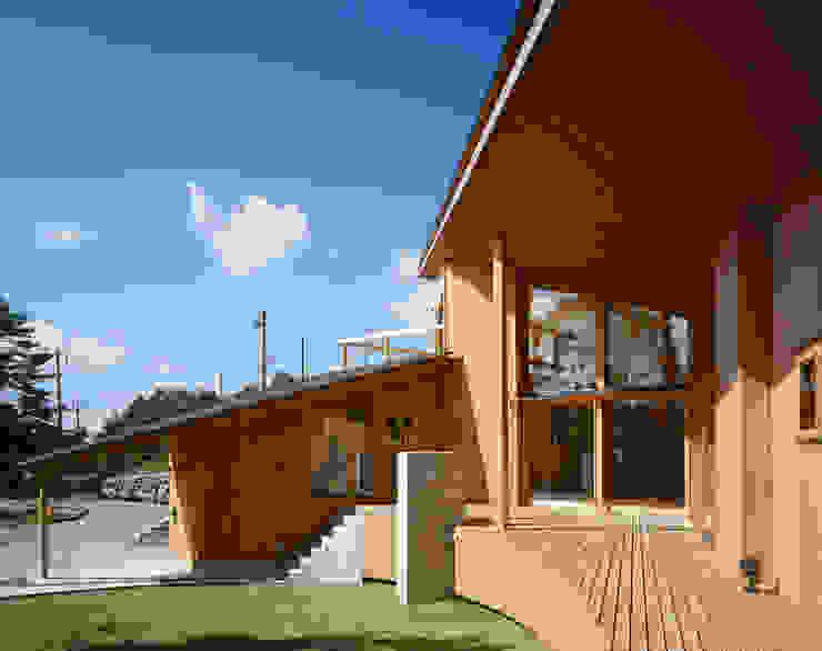 Villa Boomerang by 森吉直剛アトリエ/MORIYOSHI NAOTAKE ATELIER ARCHITECTS Modern