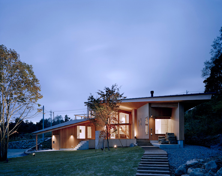Villa Boomerang Casas modernas por 森吉直剛アトリエ/MORIYOSHI NAOTAKE ATELIER ARCHITECTS Moderno