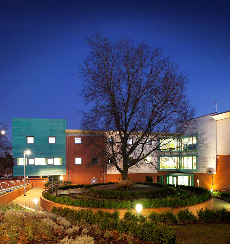 Hodge Hill Primary Care Centre Modern clinics by Andrew Dixon Photography Modern