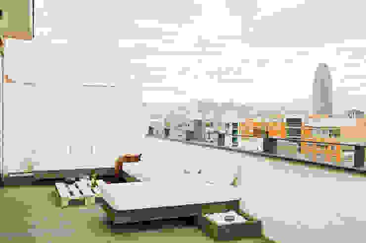 Terrace by estudioitales, Modern