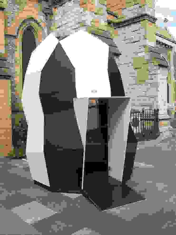 Modular pod at Southwark Cathedral Modern Okullar OS31 Modern