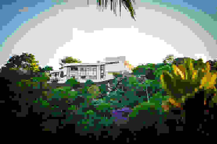 Moderne Häuser von Mascarenhas Arquitetos Associados Modern