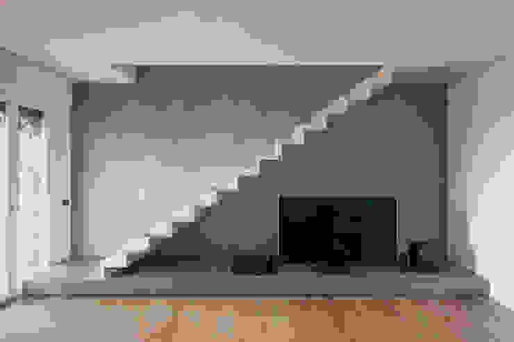 Residenza privata - design Meregalli- Merlo- Carmagnola Ingresso, Corridoio & Scale in stile moderno di MABELE by MA-Bo srl Moderno