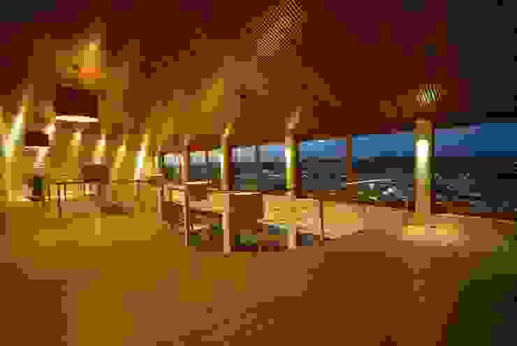 Moderne Wohnzimmer von Mascarenhas Arquitetos Associados Modern