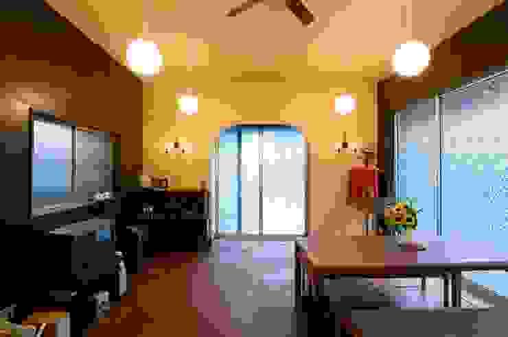 【中古リノベ】昭和レトロ喫茶風: 株式会社スタイル工房が手掛けた折衷的なです。,オリジナル