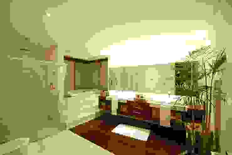 Moderne Badezimmer von Mascarenhas Arquitetos Associados Modern