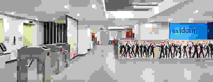 Ingresso, Corridoio & Scale in stile moderno di BOYTORUN ARCHITECTS Moderno