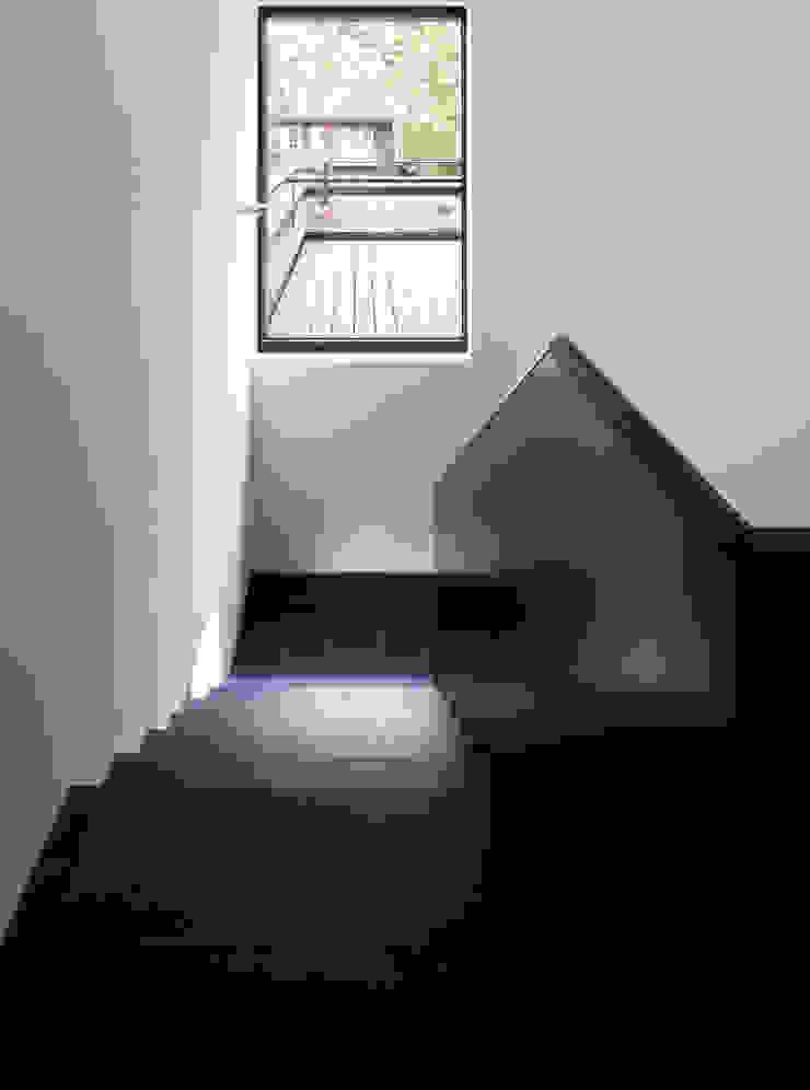 Haus Strathmann Münster Moderner Flur, Diele & Treppenhaus von Andreas Heupel Architekten BDA Modern