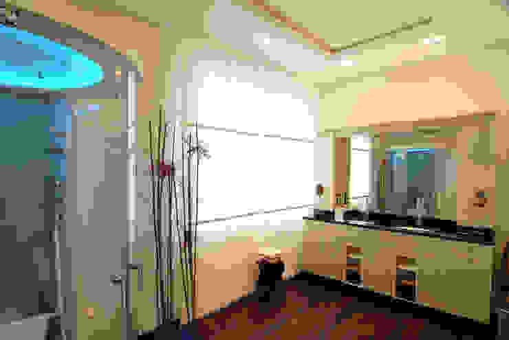Bäder- und Wellnessbereiche Moderne Badezimmer von Kunstwerkstätten Malerbetrieb Kelleter GmbH Modern