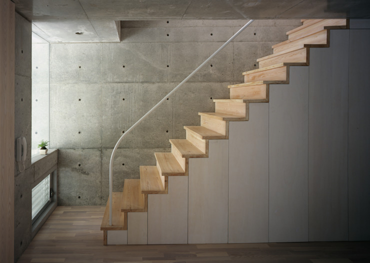 K&K-HOUSE 玄関ホール ラスティックスタイルの 玄関&廊下&階段 の M4建築設計室 ラスティック