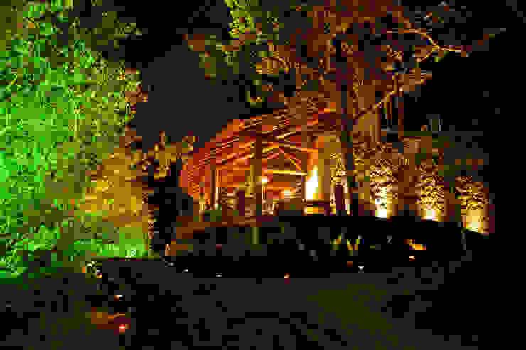 Casa noturna Privilège Angra dos Reis Casas modernas por Mascarenhas Arquitetos Associados Moderno