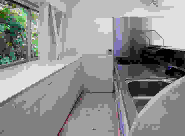 K&K-HOUSE キッチン ミニマルデザインの キッチン の M4建築設計室 ミニマル