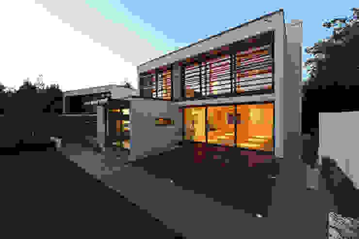 Greystones Modern houses by Tye Architects Modern
