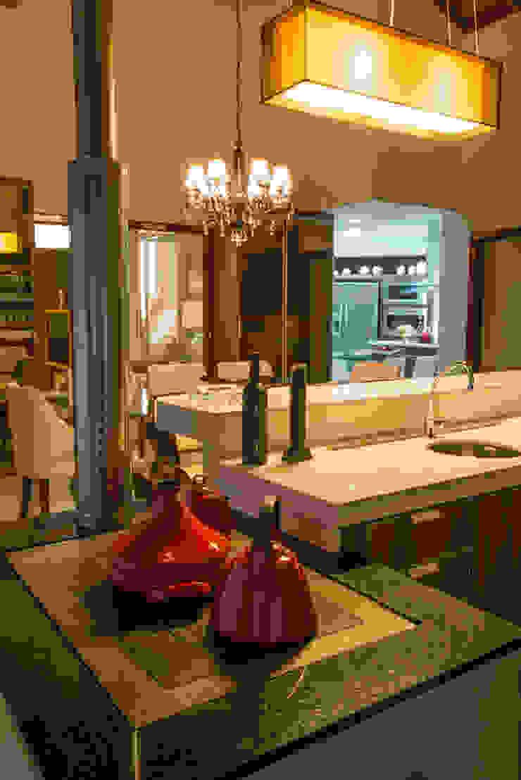 ÀREA SOCIAL Élcio Bianchini Projetos Salas de jantar ecléticas