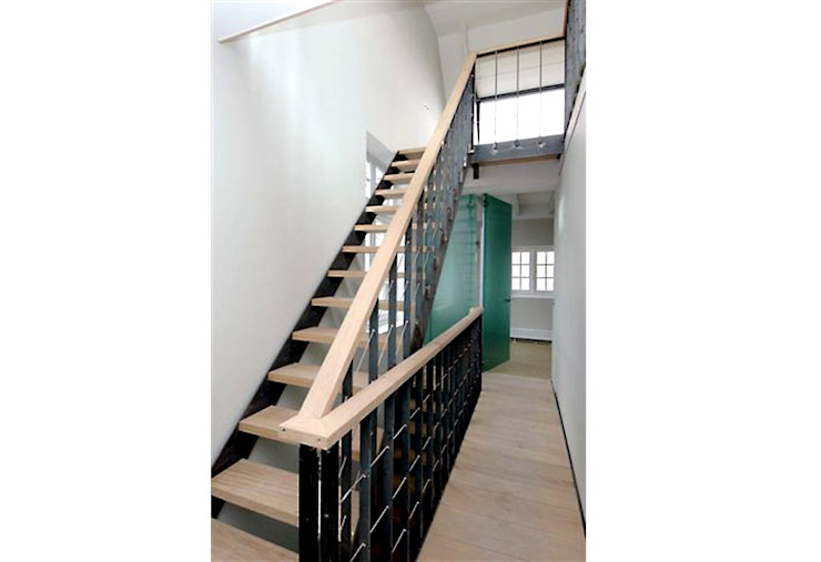industrial style corridor, hallway & stairs by Archivice Architektenburo Industrial