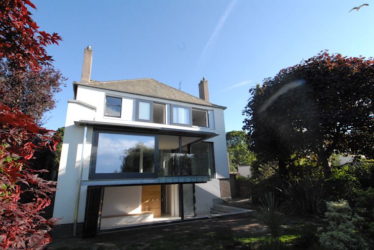 Refurbishment & Extension to a Property on Ravelston Dykes Modern houses by Richard Murphy Architects Modern
