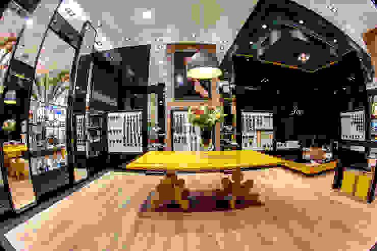 Renato Lincoln - Studio de Arquitetura Pusat Perbelanjaan Modern
