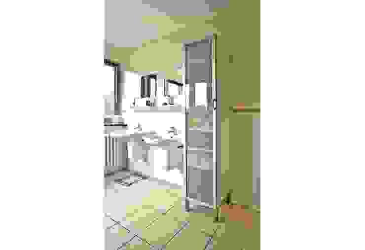 Moderne Badezimmer von Archivice Architektenburo Modern