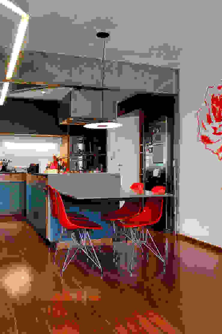Apartamento na Chácara Klabin Cozinhas modernas por Mínima arquitetura e urbanismo Moderno