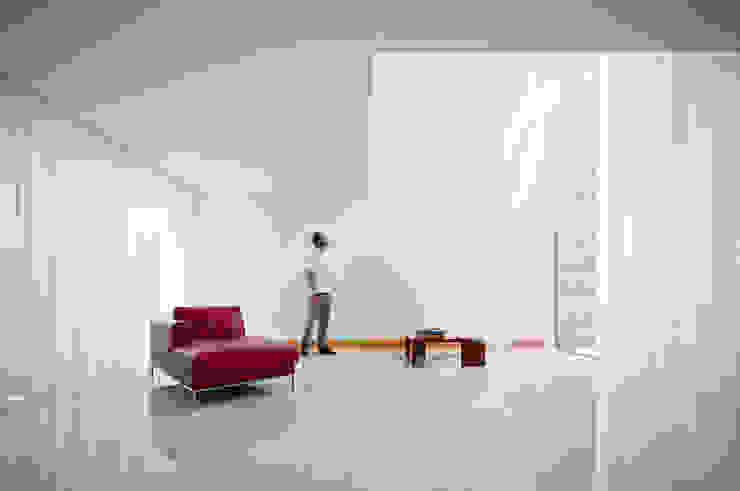 Casa em Moreira: Salas de estar  por Phyd Arquitectura,