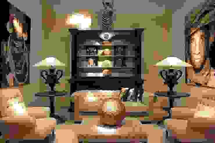 Mobiliario y tapicería de RUSTIKA DECORACIÓN Clásico
