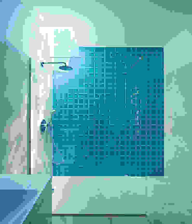 Casa em Moreira Casas de banho minimalistas por Phyd Arquitectura Minimalista