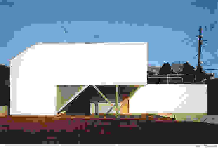 white snake Minimalist house by 瀧浩明建築計画事務所/studio blank Minimalist