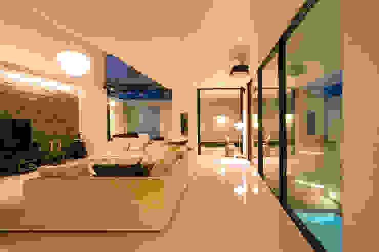 Modern Living Room by エスプレックス ESPREX Modern