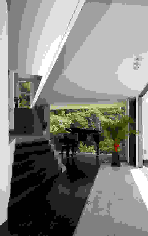 #(sharp) モダンスタイルの 玄関&廊下&階段 の エスプレックス ESPREX モダン